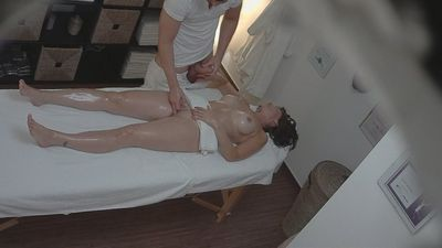Beautiful Czech Girls Gets Massage
